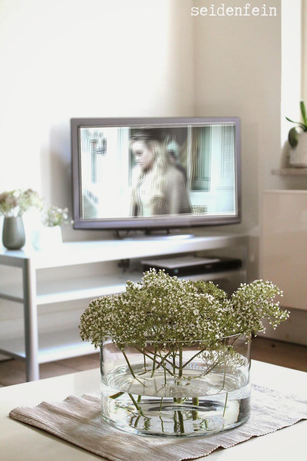 seidenfeins dekoblog freh up ikea gettorp tv board lemon cream crum cake rezept. Black Bedroom Furniture Sets. Home Design Ideas