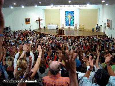 Epiléptico golpeado en Iglesia Pare de Sufrir