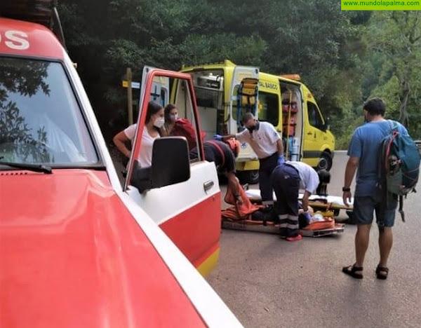 Los Bomberos rescataron ayer una senderista en Los Tilos