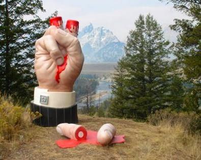 Giant Aliens Fingers Cut Off