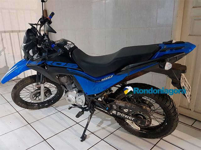 Jovem é preso quando iria vender moto que emprestou de amigo