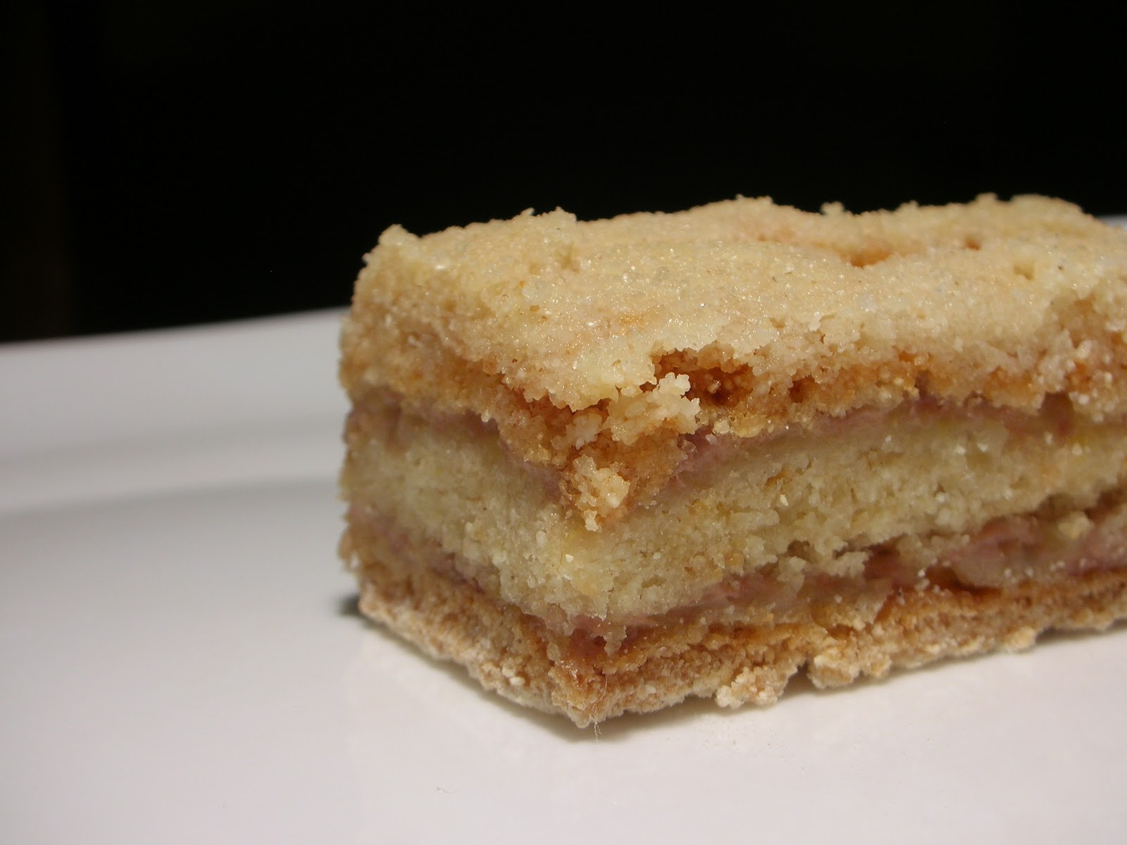 Good Layered Cake Recipes: Easily Good Eats: Easy Layered Banana Semolina Cake Recipe