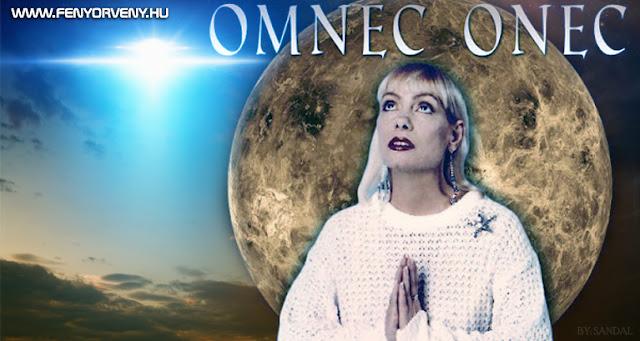 Omnec Onec: Születés és első életévek