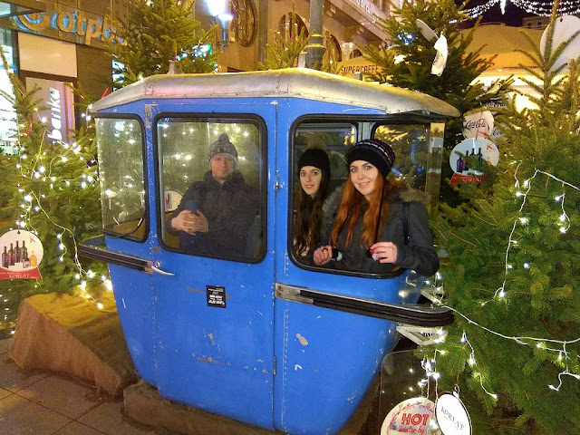 advent in zagreb, lights, lampice, fairy light, christmas tree, božićno drvce, fun, what's up ivy