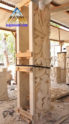 Ukiran tiang pilar rumah motif ukiran jawa (klasik) terbuat dari batu alam, Batu puitih