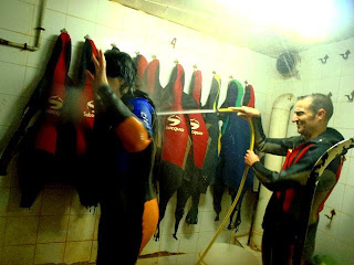 "Una ""ducha"" para terminar la ruta por la Cueva Urbana de Tarragona"
