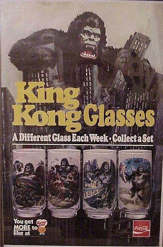 Campanha publicitária da Coca-Cola promovendo a linha de copos colecionáveis do King Kong