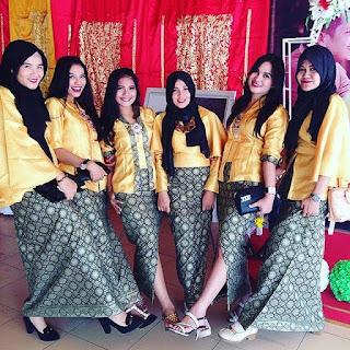 Baju Kebaya Rok Batik