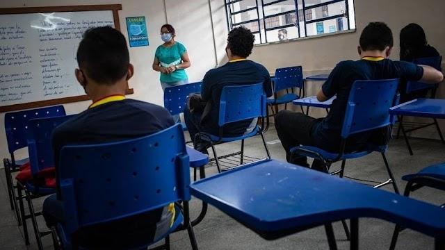 Mesmo com Piora nas Internações, Rio libera aulas presenciais em escolas estaduais com 50% da capacidade