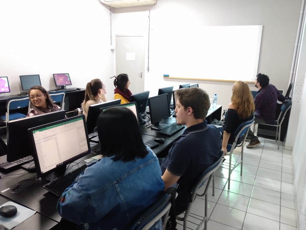 Workshop jornalismo de dados em Santa Catarina com turma da Sociesc