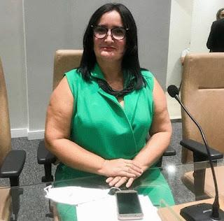 Isaura Barbosa quer alteração da jornada de trabalho da Equipe de Enfermagem e Técnicos para 30 horas semanais em Guarabira
