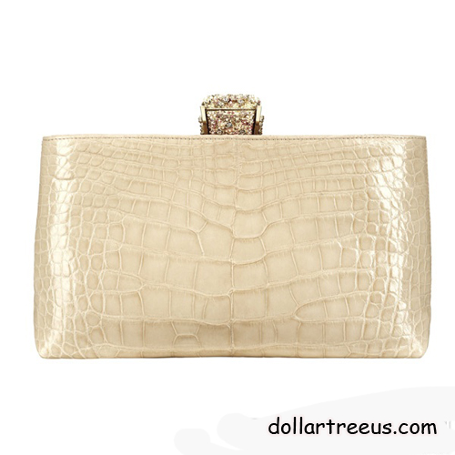 Beige Yellow And Other Bright Colors Light Up The Whole Series In Addition There Are A Variety Of Handsome New Boy Chanel Handbags To Choose From
