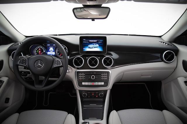 Mercedes-Benz CLA 180 leva a família à liderança do segmento