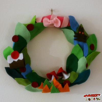 フェルト手作りクリスマスリース
