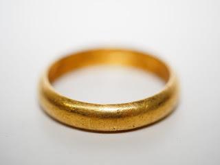 日本国の純金リングと海外製の純金指輪