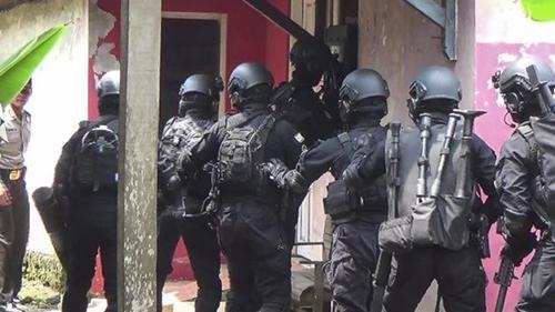 Lagi, Densus 88 Ringkus 11 Terduga Teroris Terkait Bom di Makassar