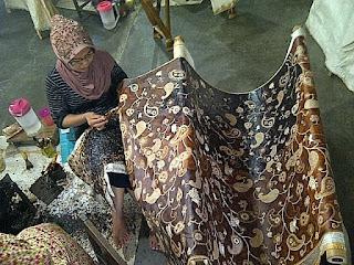 pembuat batik di cirebon