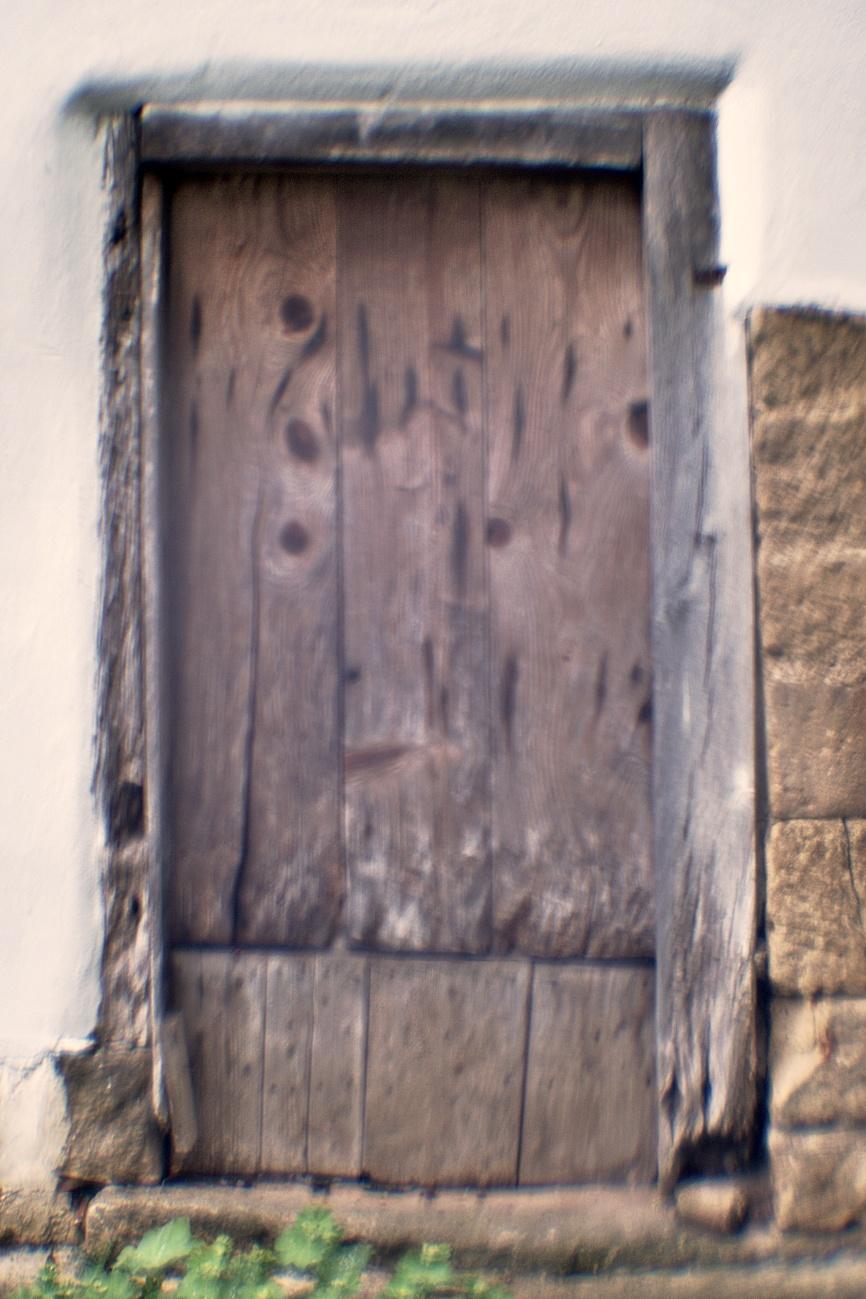 Bilder mit dem Kollimator-Selbstbau-Objektiv #16 — Bilder des Tages #89 — Wer wagt es diese Türe auf zu machen?