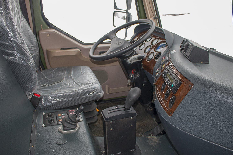 КрАЗ передав військовим самохідне шасі 8х8