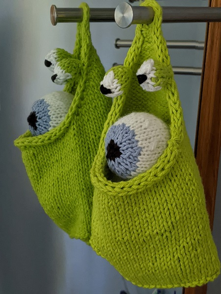 A Frog Bag with eyballs