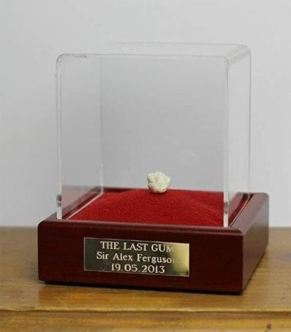 Alex Ferguson's Last Chewed Gum As Manager Sold For ₦181 Million (Photo)
