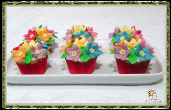 Cupcake de coco com nozes 1