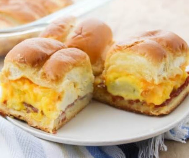 EASY BEST EVER BREAKFAST SLIDERS