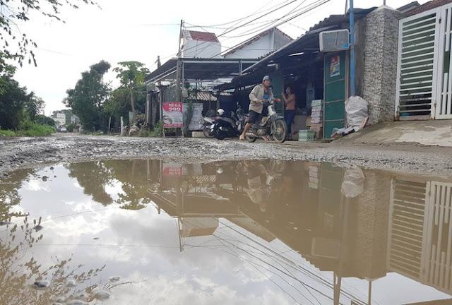 Cho nhà thầu Trung Quốc mượn, 7 tuyến đường Quảng Ngãi hóa 'bãi trâu, ổ voi'