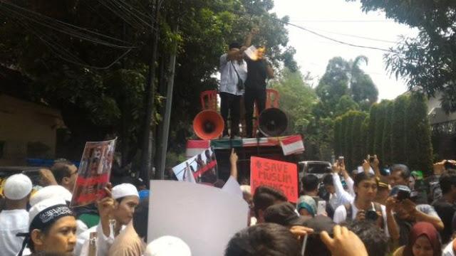 BERITA TERKINI : Rakyat Muslim Indonesia Angkat Suara, Demo Dubes Myanmar di Jakarta