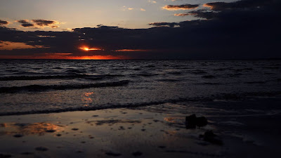Screen background for Red Sea Sunset and iPhone