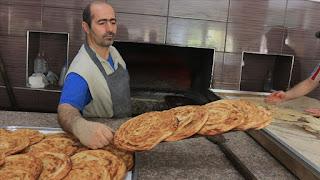 وزارة الداخلية التركية تعلن عن تسليم الخبز إلى السكان في مناطق الحظر في جميع أنحاء البلاد