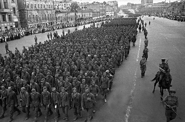 Шествие немцев в Москве