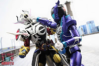 S.H. Figuarts Kamen Rider Evol Black Hole Form (Phase 4) 37