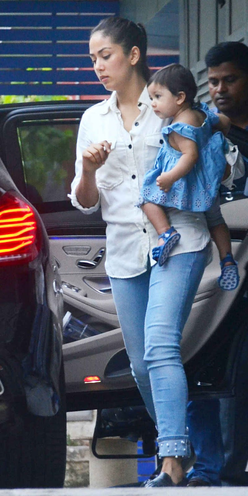 Mira Rajput with Daughter Misha at Hakkasan In Bandra