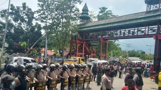Aksi Mahasiswa  Uncen  Tolak Otsus Jilid II dihadang Oleh Aparat Keamanan  Senin (28/9/2020)