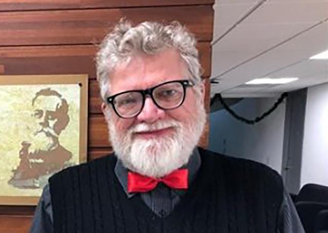 Homenaje a Robert Endean Gamboa para conmemorar el Día del Bibliotecario en Yucatán