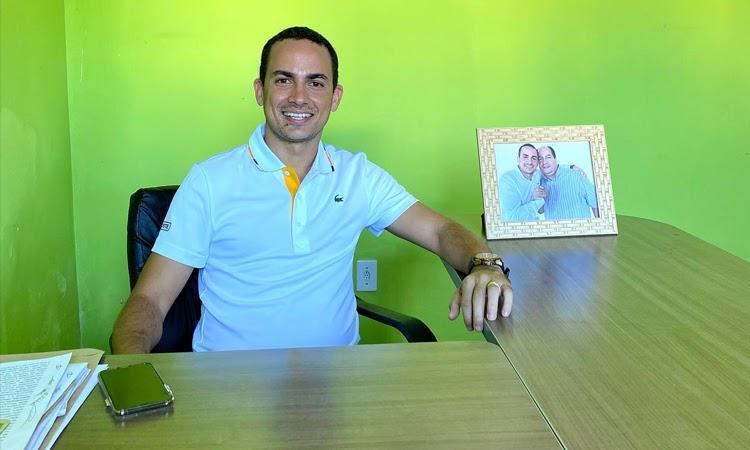 Prefeitura de Ituaçu antecipa pagamentos a servidores públicos municipais