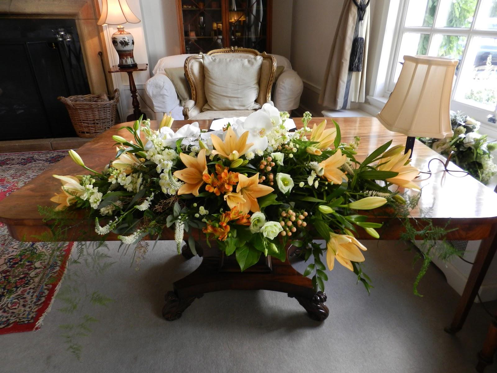 Sandra's Flower Studio: Hemswell Court Wedding Reception