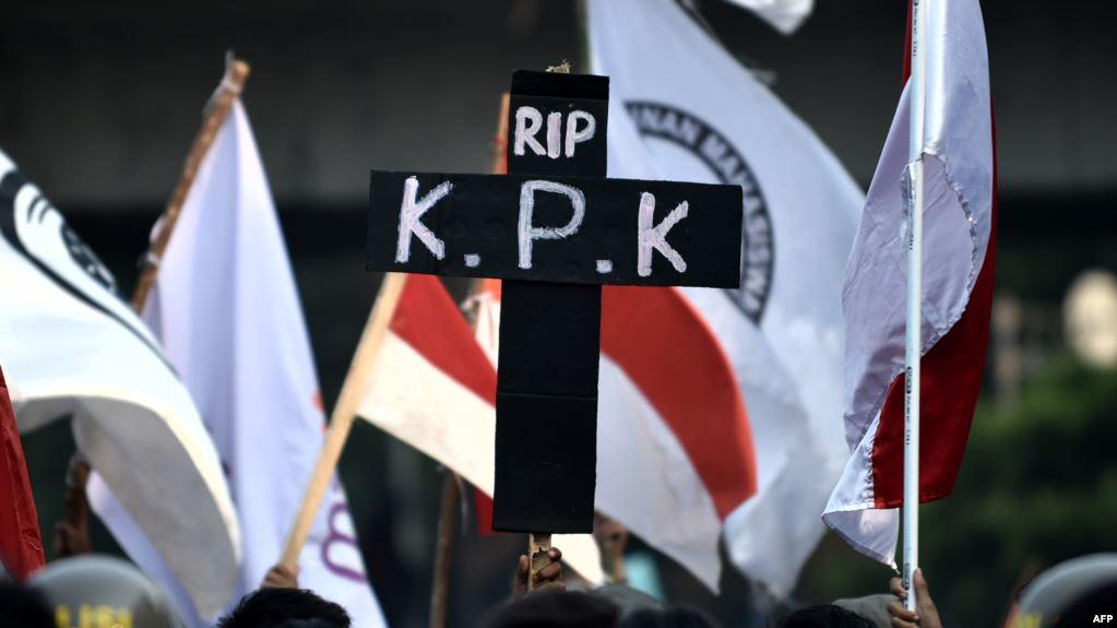 Komitmen Pemberantasan Korupsi Era Jokowi Berbalik Arah