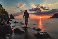 Solitary Sunrise - Photo by Joshua Earle on Unsplash