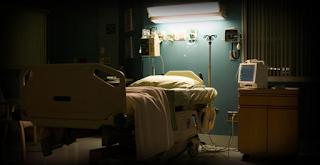 Πύργος: 33χρονη φρόντιζε τον πατέρα της στο νοσοκομείο και πέθανε στο προσκεφάλι του