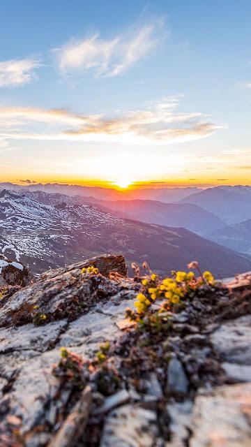 Paisagem Montanhas Pôr do Sol no Horizonte