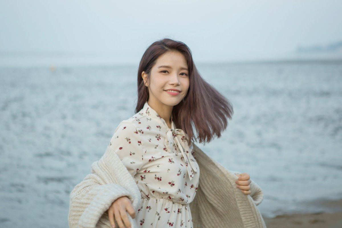 MAMAMOO's Solar Opnely Talks About Her YouTube Income