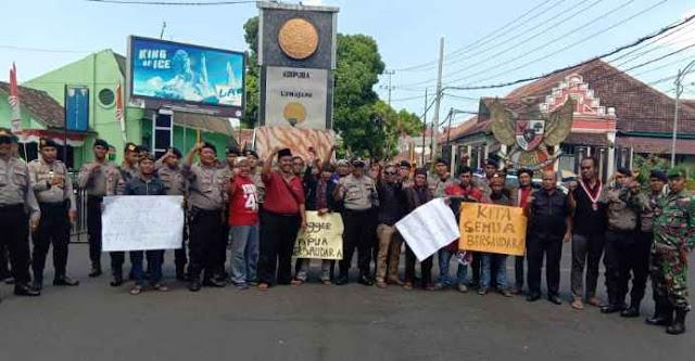 Warga Lumajang untuk Papua Menggelar Aksi Solidaritas Menolak Provokasi dan Rasisme