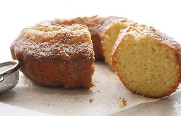 Fresh Cream Lemon Cake