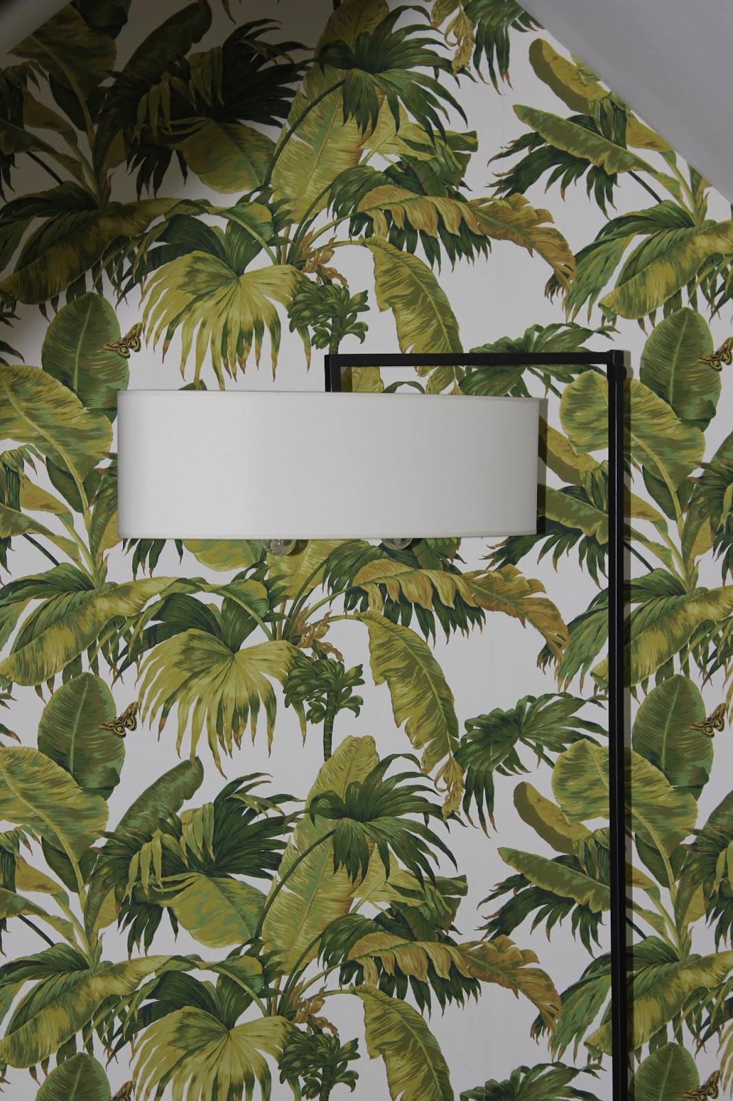 poser du papier peint a mi hauteur perpignan taux horaire pour un artisan peintre les 4 mur. Black Bedroom Furniture Sets. Home Design Ideas