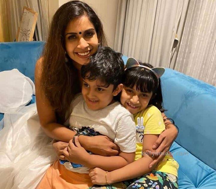 Samyuktha  Bigg Boss  family