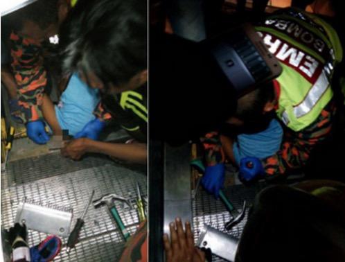 Kemaluan Budak 3 Tahun Tersepit Di Eskalator