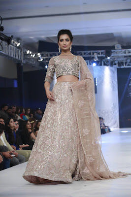 pfdc-loreal-paris-bridal-week-2016-saira-rizwan-lehenga-dresses-collection-5