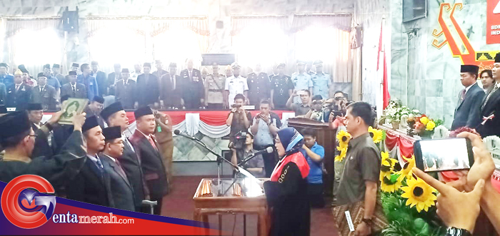 Kukuhkan Unsur Pimpinan, Romli Jabat Ketua DPRD Lampura